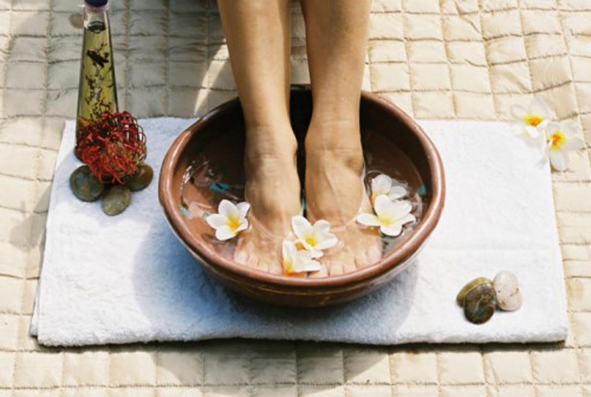 足のむくみ&冷え性を改善したい方必見!足湯は効果抜群⁉